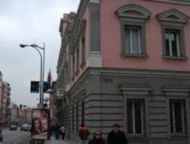 La sala Juana Francés de Tetuán acoge una exposición de pintura vanguardista