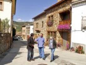La Comunidad remodela el casco urbano de Prádena del Rincón