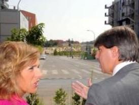 Ana Botella revisó las zonas verdes de Villa de Vallecas