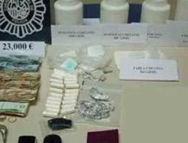 Detenido un hombre que tenía un laboratorio de 'coca' en su casa