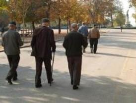 Madrid registra 896,15 euros mensuales de pensión, una de las más elevadas