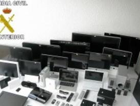 Cae una red que estafó 40.000 euros gracias a los datos bancarios robados por una asistenta