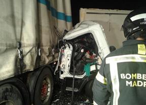 Un choque entre dos camiones obliga a desviar el tráfico de la M-40 a la altura de Mercamadrid