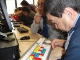 Cursos de alfabetización digital para persona con discapacidad física en Pozuelo