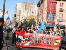 Democracia Nacional Joven pide en Alcalá 'empleo para los españoles primero'