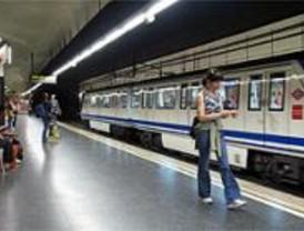 Metro reforzará el servicio durante las fiestas de Navidad