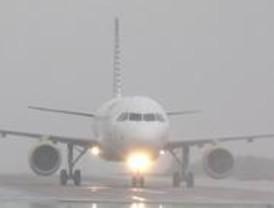 La niebla altera la operatividad en el aeropuerto de Barajas