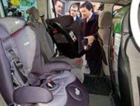 Más de 100 taxis tendrán sillas para bebés