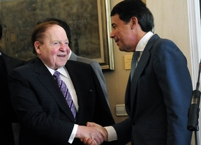 Sheldon Adelson e Ignacio Gonzalez (octubre de 2012)