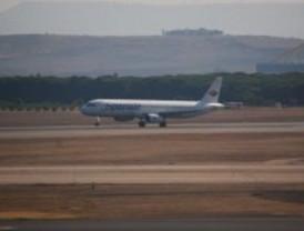 Spanair cancela 56 vuelos este lunes
