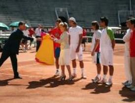 Aguirre visitó en Las Ventas a los 'toreros' de la Copa Davis