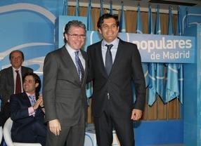 Francisco Granados junto a  Agustín Juárez alcalde de Collado Villalva.