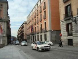 Los vecinos del centro piden cerrar al tráfico la calle Mayor 'por el ruido y la contaminación'