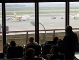 Barajas activa tres veces la alarma por el aterrizaje de aviones con averías