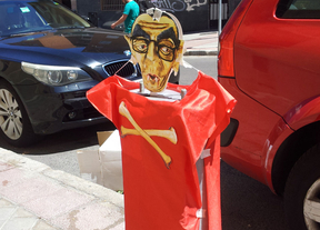 Parquímetros decorados para celebrar el fin del SER en Carabanchel