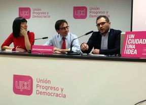UPyD presenta la campaña 'Un ciudadano, una idea'. El candidato Ramón Marcos, en el centro