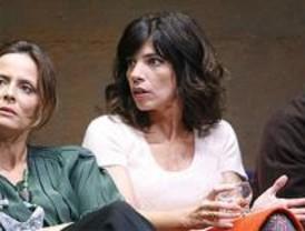 Maribel Verdú, Aitana Sánchez Gijón, Antonio Molero y Pere Ponce, en 'Un Dios Salvaje'
