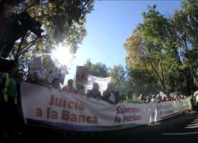 Miles de personas marchan contra los recortes y políticas del Gobierno