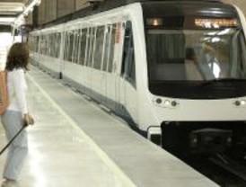 Los madrileños dan un notable a metro aunque odian que se pare