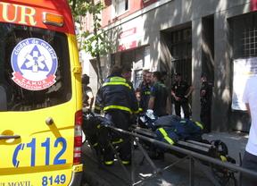 Herido grave al electrocutarse en un edificio okupado