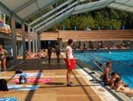 La Junta de Moncloa-Aravaca instala bibliotecas en las piscinas del distrito