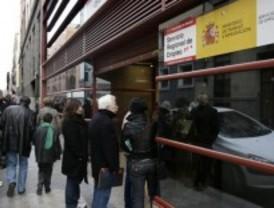 CC.OO y UGT destacan que el paro vuelve a subir en Madrid más que en toda España