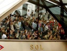 Miles de desempleados culminan sin incidentes su marcha en la Puerta del Sol
