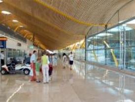 Empresarios piden al aeropuerto de Barajas tome medidas para reactivar el turismo