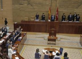 Ciudadanos y Podemos renuncian a los coches oficiales de la Asamblea