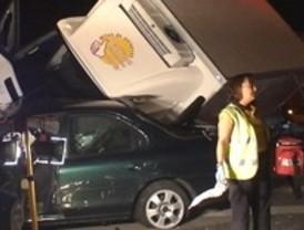 Muere una mujer tras chocar con un camión en la avenida de Andalucía