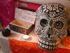 Bares y comercios de Madrid se preparan ya para el Día de los Muertos