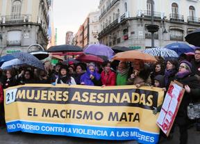 300 personas exigen medidas urgentes contra la violencia sobre las mujeres