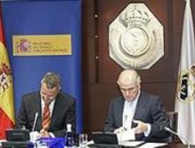 El Real Madrid y el Ministerio de Trabajo firman un acuerdo contra el racismo