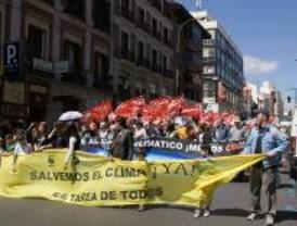 Miles de manifestantes contra la