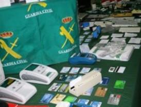 Detenidos 17 miembros de una banda epxerta en falsificaciones