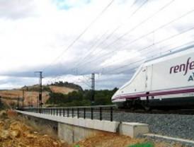 Retrasos de 30 minutos en los AVE a Valencia y a Andalucía