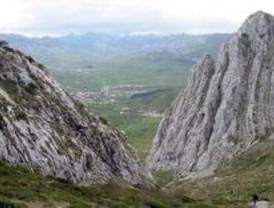 Un montañero madrileño, grave al precipitarse desde 15 metros en León