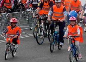Los ciclistas menores de edad tendrán que llevar casco