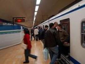 Aguirre anuncia medidas 'estructurales' para mejorar el servicio de la línea 6 de Metro