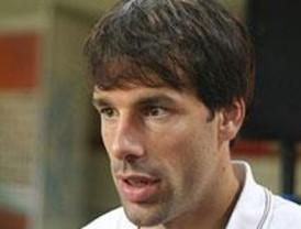 Van Nistelrooy, operado de un tobillo, estará seis semanas de baja