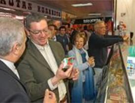 Gallardón promete que todos los barrios de Madrid tendrán un mercado municipal