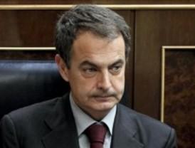 Zapatero señala que Comunidad y Ayuntamiento subieron las tasas hasta el 20%