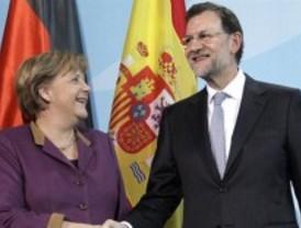 El 15-M recibe a Merkel a ritmo de Mister Marshall