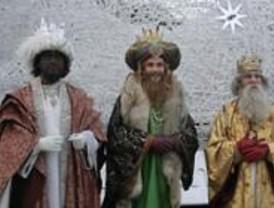 Los niños esperan a los Reyes con ilusión ¿o los regalos?