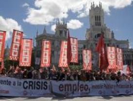 Miles de trabajadores se movilizan contra la crisis