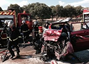 Dos muertos y dos heridos graves en un accidente de tráfico en Manzanares el Real