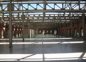 El centro municipal Daoíz y Velarde, sin personal ni mobiliario, abre un mes para una exposición