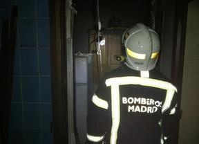 Tres heridos leves por una explosión en una vivienda de Carabanchel