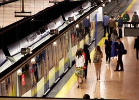 Trabajadores y viajeros achacan las averías de Metro a la falta de mantenimiento
