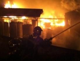 Controlado el incendio en la nave de Arganda